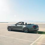 Ford apresenta versão conversível do novo Mustang