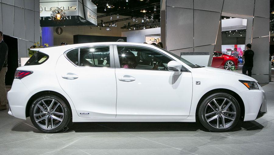 2014-Lexus-CT-200h 5