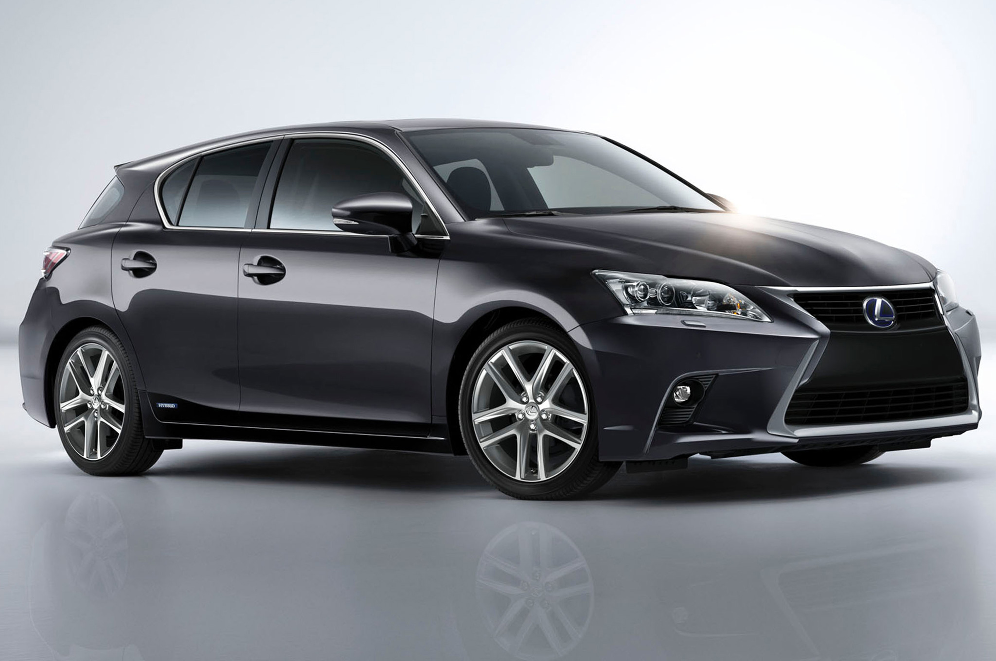 2014-Lexus-CT-200h