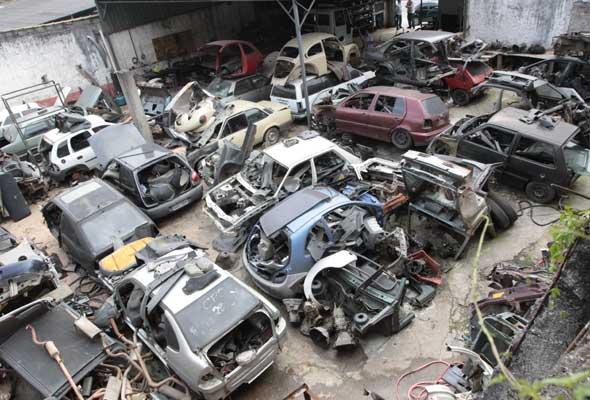 desmanche-automóveis
