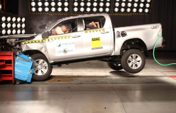 Hilux-Latin-NCAP-620x397